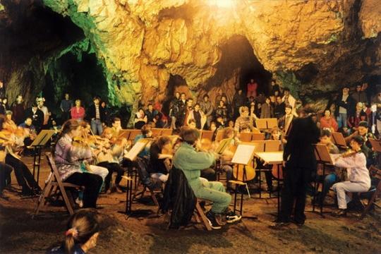 Concert de muzică simfonică în Mina Salina