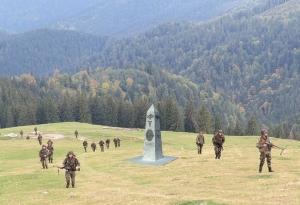 Monument - Centenarul vânătorilor de munte - Cireşoaia, Bacău